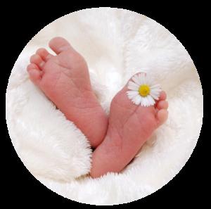 Pieds de bébé site Caroline Kinesiologie